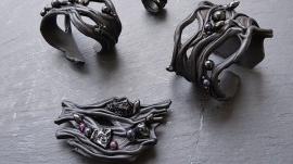 Collection-noire-perlée-.BRANCHE
